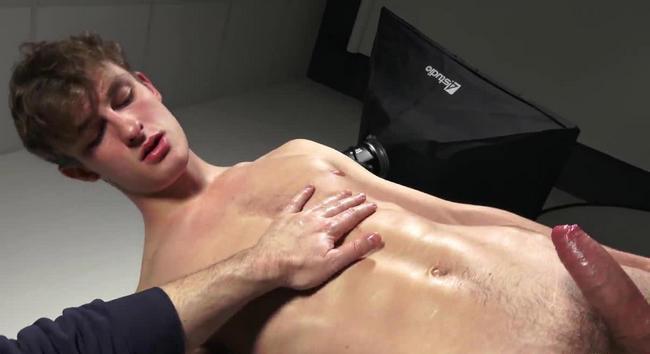 Nikolaus Viklund cumming naked