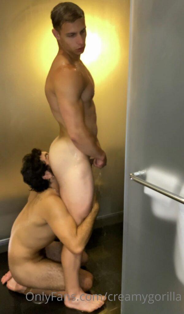Matt Luscious creamygorilla fuck in bathroom onlyfans