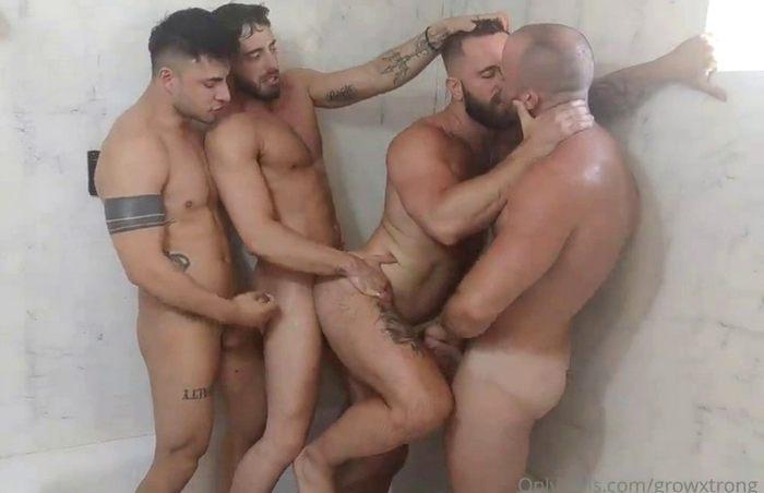Suruba no chuveiro Growxtrong TheBeardX Poloxxxfans e Liam Galty