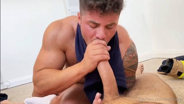 Andy Lee Gets His Cock Sucked And Drained onlyfans